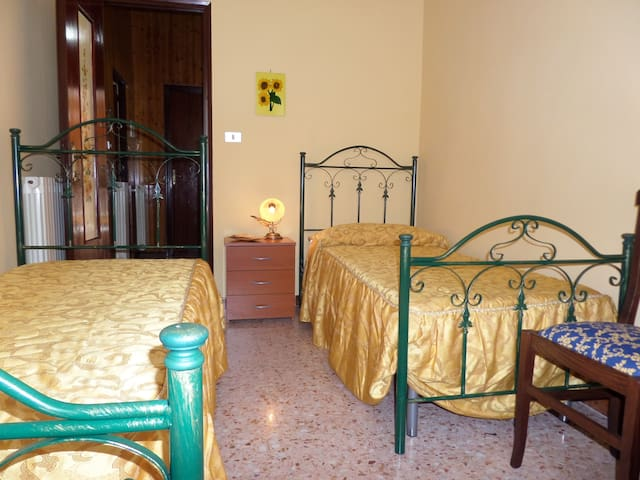 1 POSTO LETTO IN CAMERA DOPPIA - Civita - Bed & Breakfast