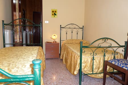 1 POSTO LETTO IN CAMERA DOPPIA - Bed & Breakfast
