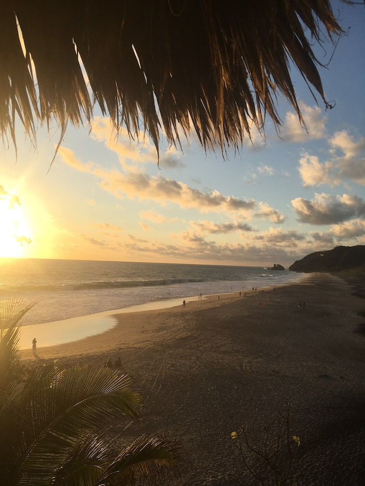 Monte Cangrejo- beachfront house Mermejita Mazunte