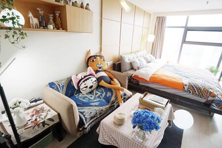【多吉&魔力大汪汪】全景落地窗、躺着看西湖! - Hangzhou