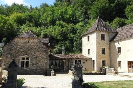 chambre au moulin de la Garrigue - Salignac-Eyvigues - Bed & Breakfast