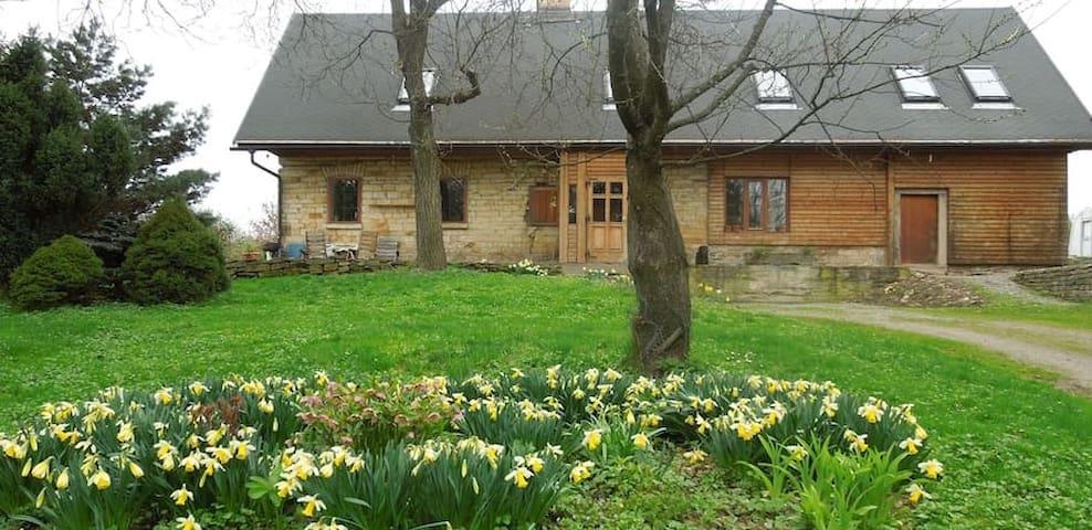 Ubytování na samotě v Podkrkonoší - Brzice - Hus