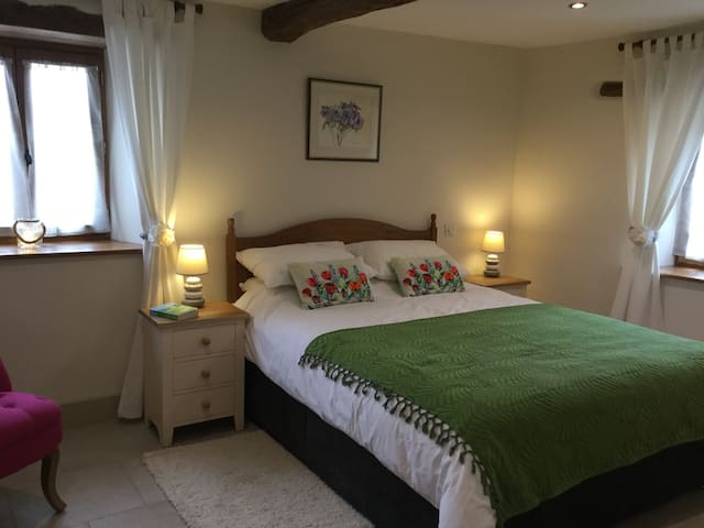 "Spacious, disabled ""friendly"" gite - Oradour-sur-Vayres - Leilighet"