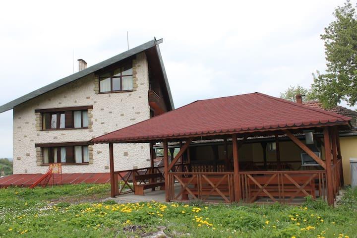 Daskalov Family House