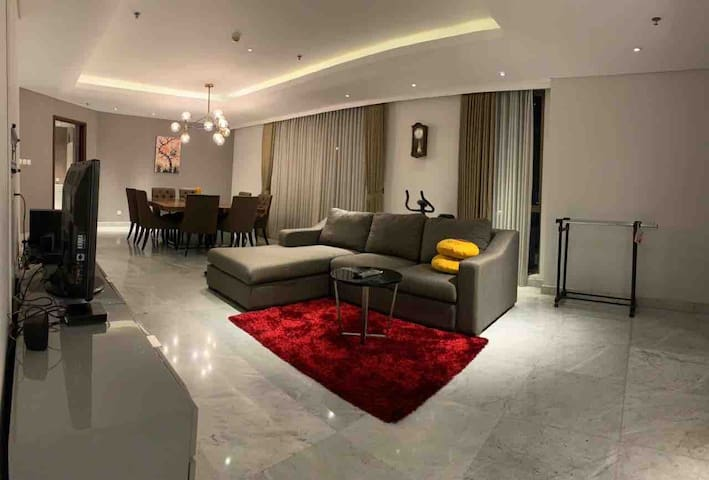 3 Bedroom in the heart of Surabaya, above mall TP