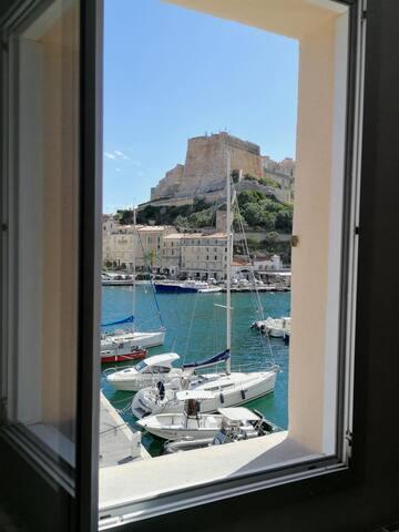 Bonifacio : appartement sur le splendide port