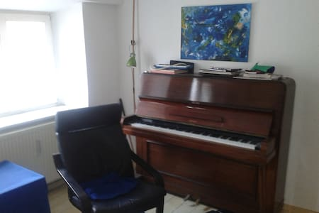 uncomplicated flat in the heart of Berlin Mitte - Berlin - Lejlighed