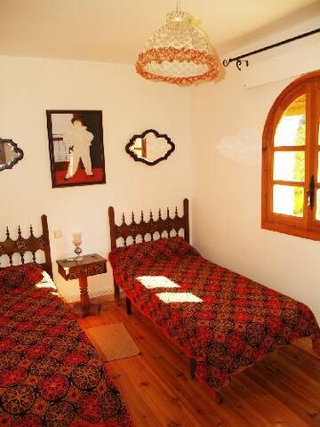 """Unidad A Casa """"El Molino"""" Primera planta Dormitorio Ciruelo"""