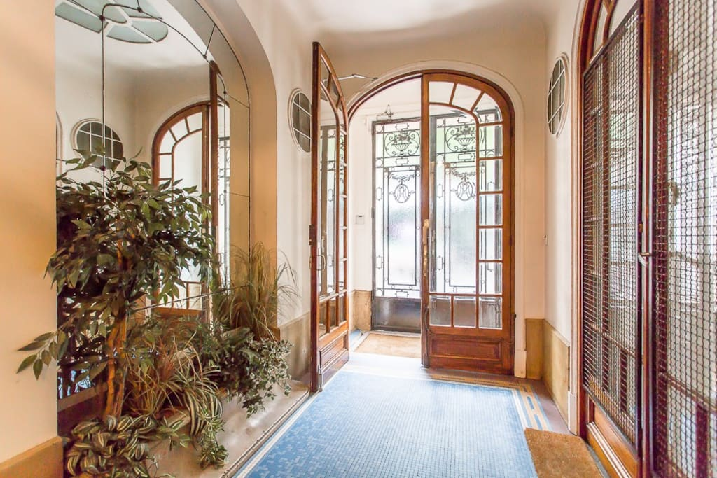 Studio meubl neuf m tro lamarck apartments for rent in for Don de meuble paris