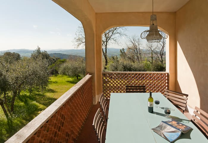 CHARMING HILLSIDE VILLA WITH VIEWS - SIENA