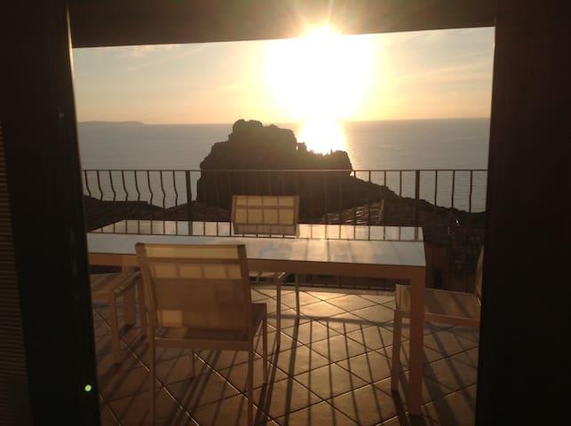 loft con spettacolare vista  mare