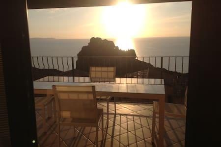 loft con spettacolare vista  mare  - Nebida