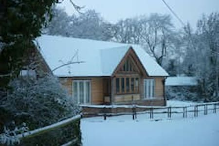 Charming Oak Cottage near Lymington - Lymington - Natuur/eco-lodge