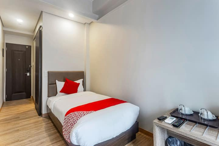 Standard Single Stay @ Airo Hotel