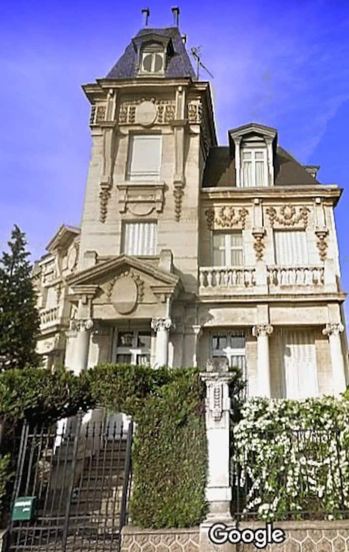 Maison de plaisance du XIX siècle / 1 chambre