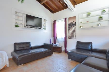 Rome Holidays Resort10 - Aeropuerto - Casa