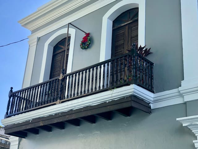 Los Balcones, Old San Juan Best location!!