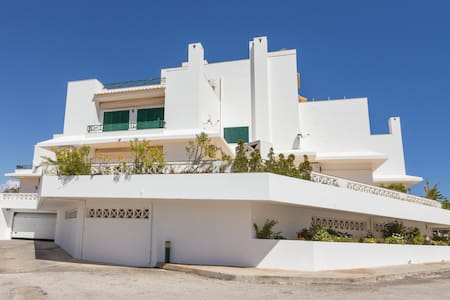 5 minutes walk from the beach  - Albufeira