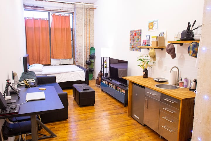 Cozy Bushwick Studio - Great Location