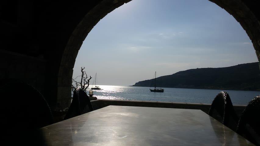 MANI, NEO ITILO, STONE HOUSE, NEXT TO THE SEA.