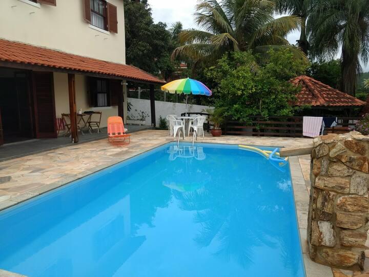 Casa em Águas de São Pedro. O paraíso das águas