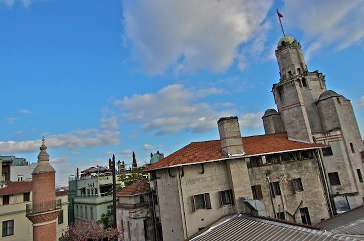 6 Bed EnSuite Female Dorm in Galata - Istanbul - Bed & Breakfast