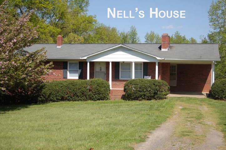 Nell's Farm House - Shelby, Tryon, Boiling Springs