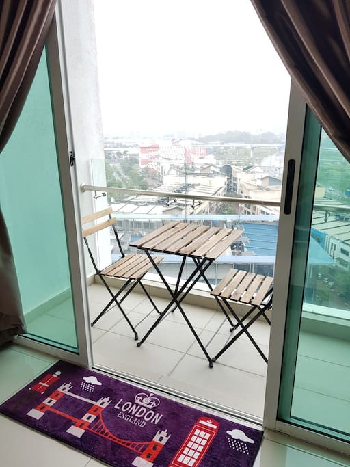 Lovely Cityview Balcony Studio Residence #Tropez Danga Bay J.B.