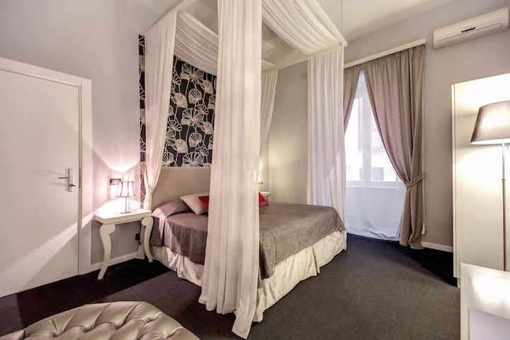 Residenza Bourbon _ Luxury rooms