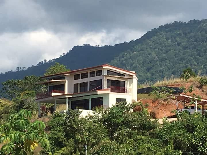 Unique housing in Splendid area around Big wonders