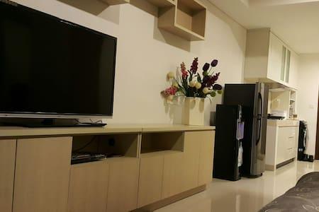 Kemang Village Mall StudioApartment - Kebayoran Baru - Daire