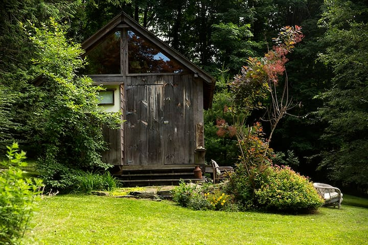 NY Rustic Cottage Getaway - Mount Kisco - Blockhütte