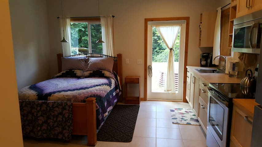 Quiet solitude on an organic farm. - Poulsbo - Apartamento