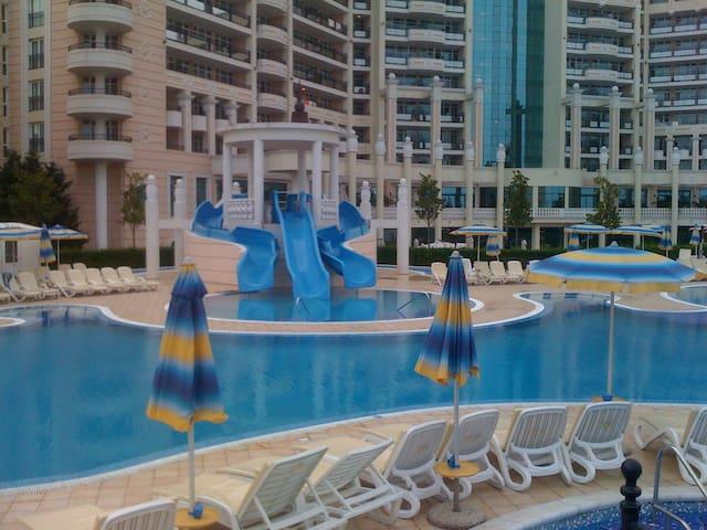 Sunset Resort, Pomorie, Bulgaria. - Pomorie - Apartment