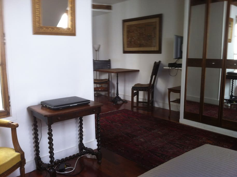 Direct View Of Notre Dame Cathedal Apartments For Rent