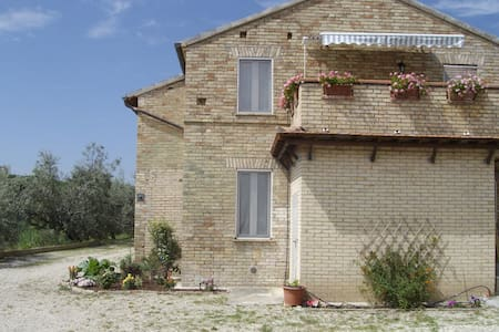 Renovated Farmhouse with Sea View - Massignano