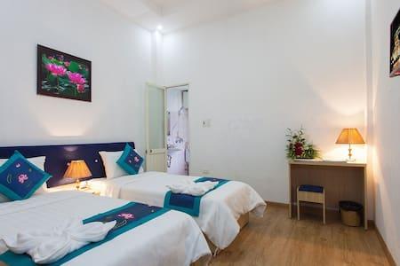 Private Superior Room at Hanoi Lotus Hostel - Hanoi