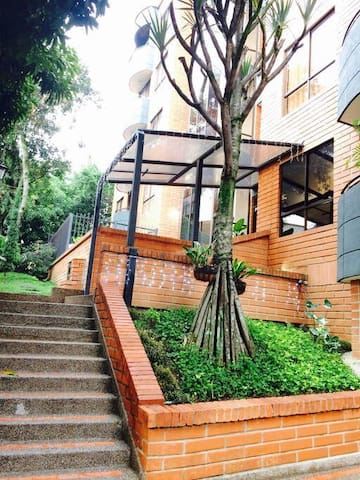 Apto entero con total privacidad - Medellín  - Apartamento