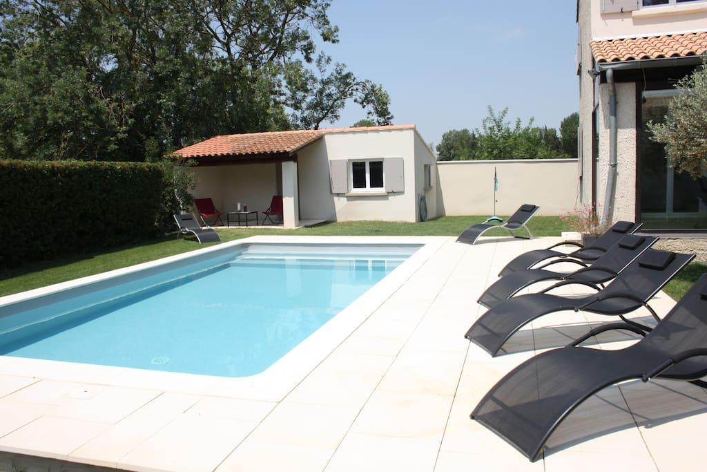 Grande villa familiale calme aux portes d 39 avignon for Piscine 4x8