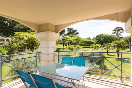 ROYAL PARK Bel appartement, terrasse, piscines