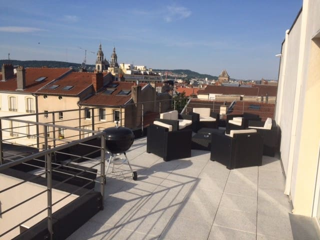 Grand appartement avec terrasse. - Nancy
