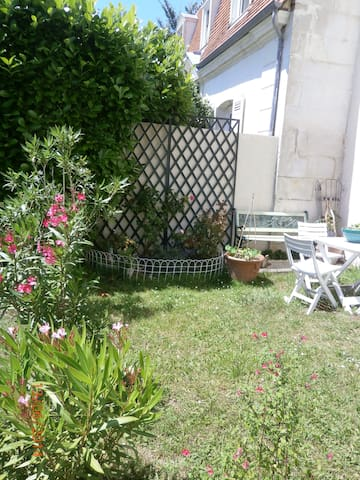 Appartement jardin centre ville - Saintes - Flat