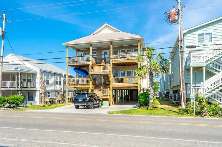 Silver Seas - Beautiful Unit, Across the street from Beach Access, Oceanview, 9 Block North of CB Boardwalk & Attractions