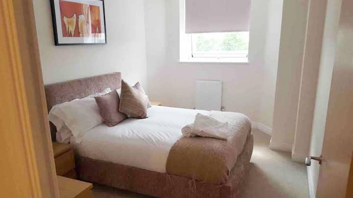 Professional Luxury Two bedroom in Stevenage