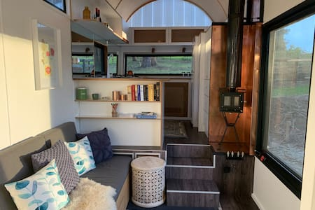 'The Chevalier' - Tiny House in Jindivick