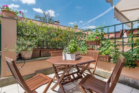 Loft et terrasse à San Lorenzo - Accueil français