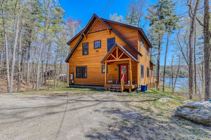 Family friendly, waterfront home w/ a view - near Okemo Mountain!