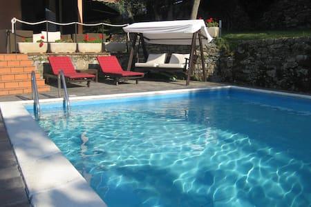 appartamento in villa con piscina - Recco
