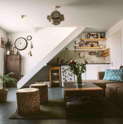 DOUBLE ROOM IN TRENDY HACKNEY WICK, ZONE 2