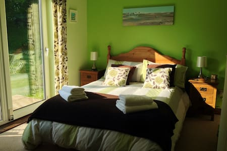 Great location to explore Cornwall - Goonhavern, Truro - Haus
